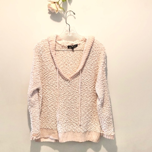 Almost Famous Pink Popcorn Hooded Sweater LIKE NEW